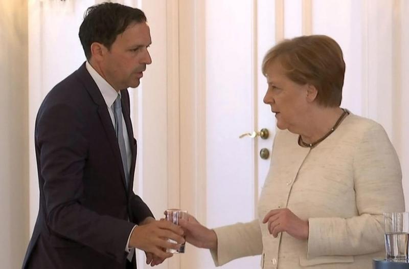 У Меркель стався інцидент з тремтінням на зустрічі з президентом ФРН