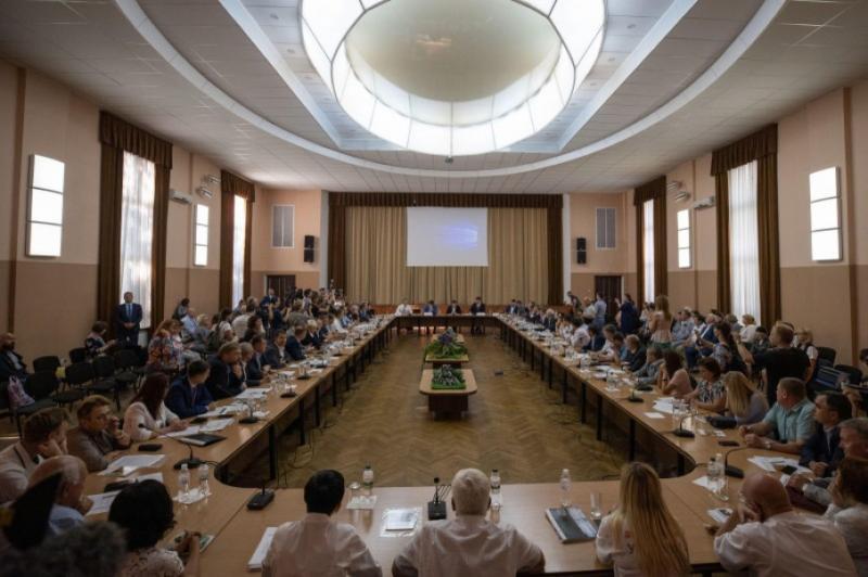 У Кривому Розі Зеленський розкритикував «АрселорМіттал» через складну екологічну ситуацію