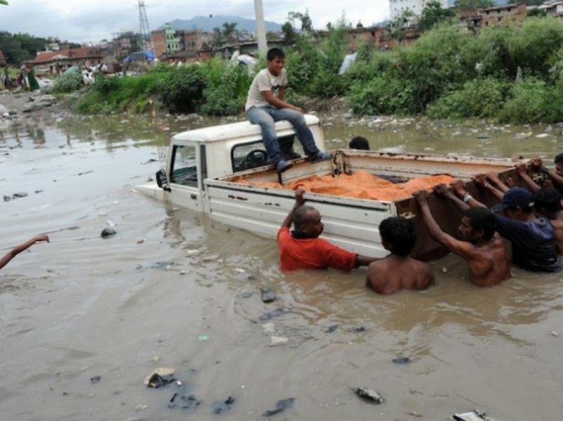 У Непалі від повеней і зсувів загинули уже 32 особи, 17 - зникли безвісти