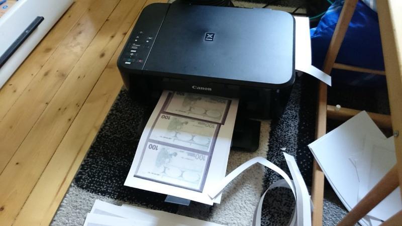 У Німеччині жінка намагалася купити авто за надруковані на принтері євро