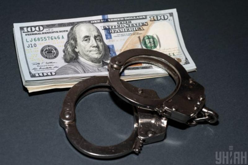 Поліція у Києві затримала посадовця за вимагання грошей у підприємця