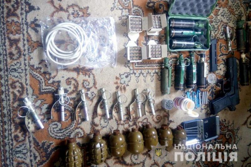 Поліція вилучила у мешканця Тернопільщини значний арсенал вибухівки