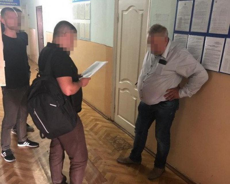 На Рівненщині затримали директора національного природного парку за хабар у 5 тис. доларів