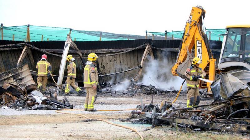 В Іспанії від удару блискавки згоріли 40 будинків на колесах