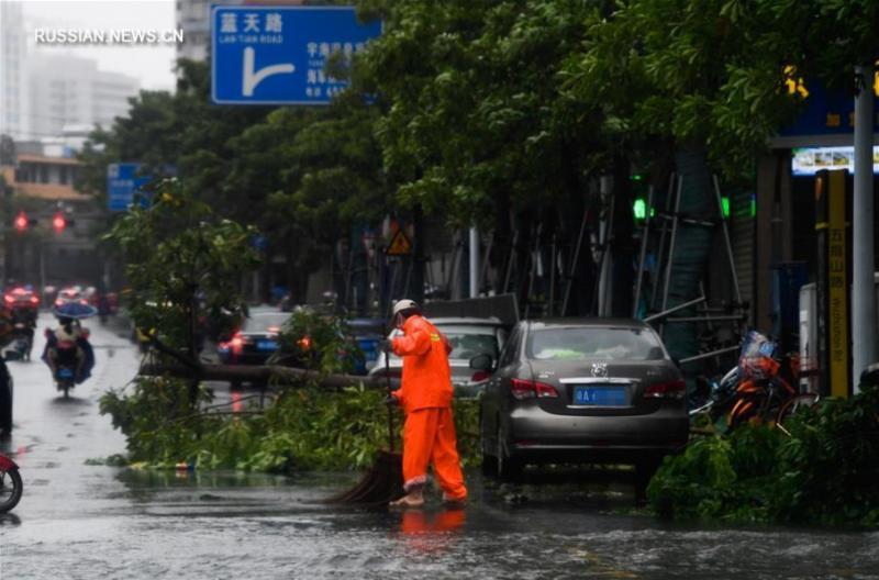 На узбережжя Китаю обрушився тайфун
