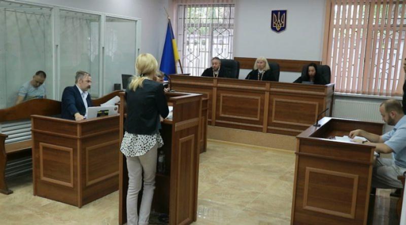 Дружина звинувачуваного у держзраді Без'язикова звинуватила СБУ у брехні на користь Порошенка