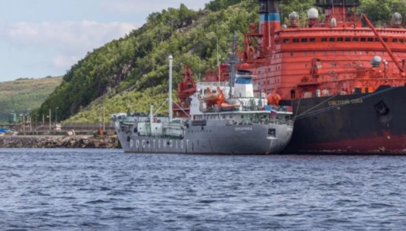 Експерти помітили біля полігону в Архангельську танкер для збору радіоактивних відходів