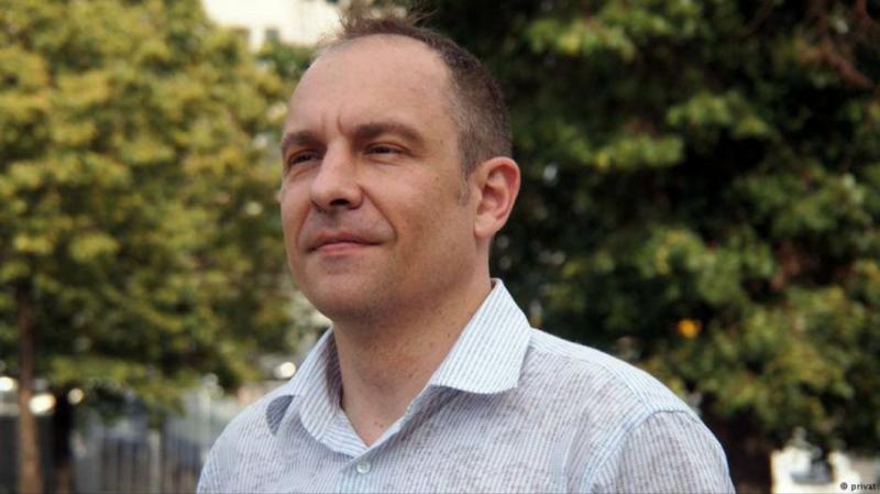 Команду Зеленського обрали депутатами через те, що вони найкращі шоумени - Окара
