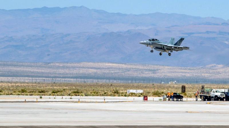 У США розбився винищувач-бомбардувальник, сім осіб зазнали поранень