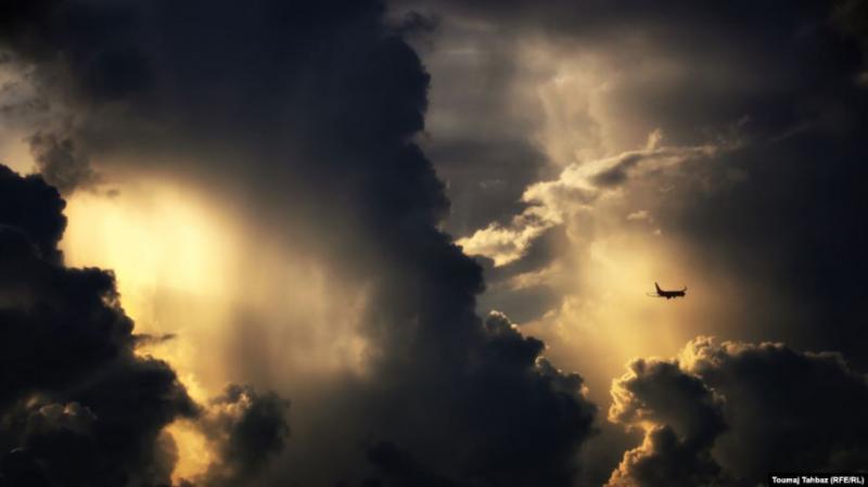 Тайфун в Японії: в країні евакуюють людей та скасовують сотні рейсів