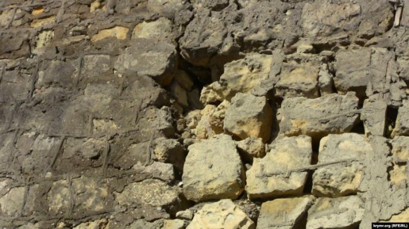 В окупованому Севастополі археологи виявили фрагмент стародавньої стіни фортеці