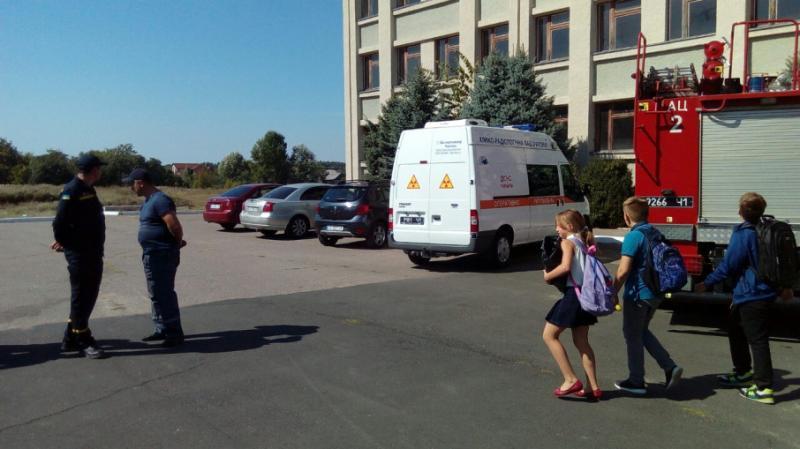 У школі в Черкасах розпилили газ: 20 дітей потрапили до лікарні