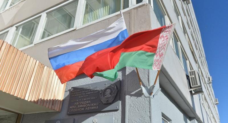 У РФ відреагували на інформацію про створення конфедеративної держави з Білоруссю