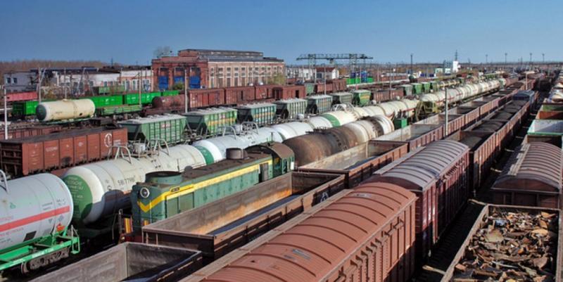 Майже 800 гривень на тонні зернових втрачають аграрії через колапс на залізниці, – Козаченко