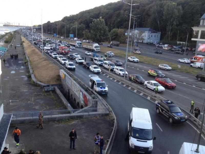 Теракт чи протест: Хто і чому намагався підірвати міст Метро у Києві