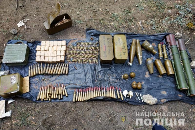 На Луганщині знайшли схрон з боєприпасами