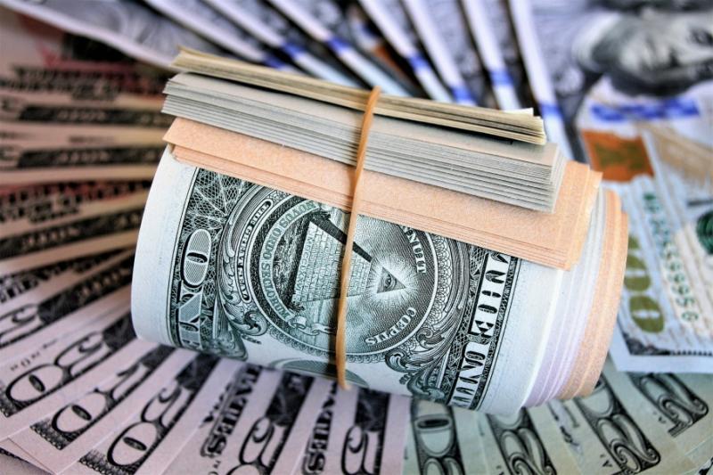 Міжбанк відкрився доларом по 24,39 гривень, євро - по 26,89 гривень