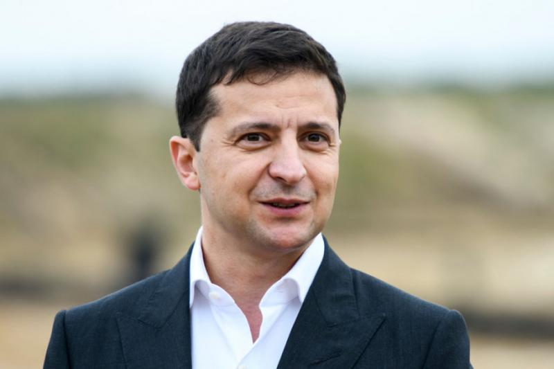 Зеленський заявив, що підтримує заміну інтернатної форми виховання на сімейну