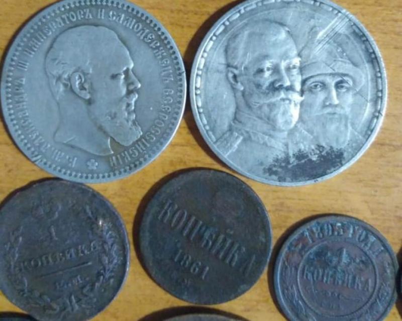 Росіянин намагався вивезти з України майже 100 старовинних монет