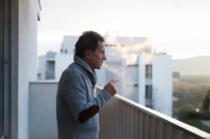 У Росії заборонили підкурювати на балконах