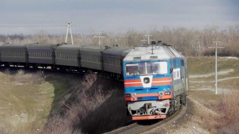 На Харківщині чоловік кинувся під поїзд