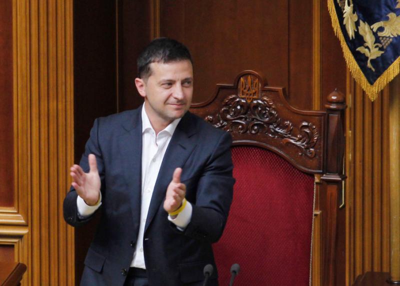 Зеленському направили на підпис закон про зняття депутатської недоторканності