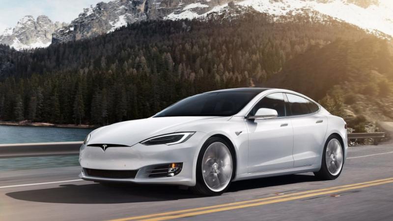 Маск заявив про новий світовий рекорд електрокара Tesla Model S