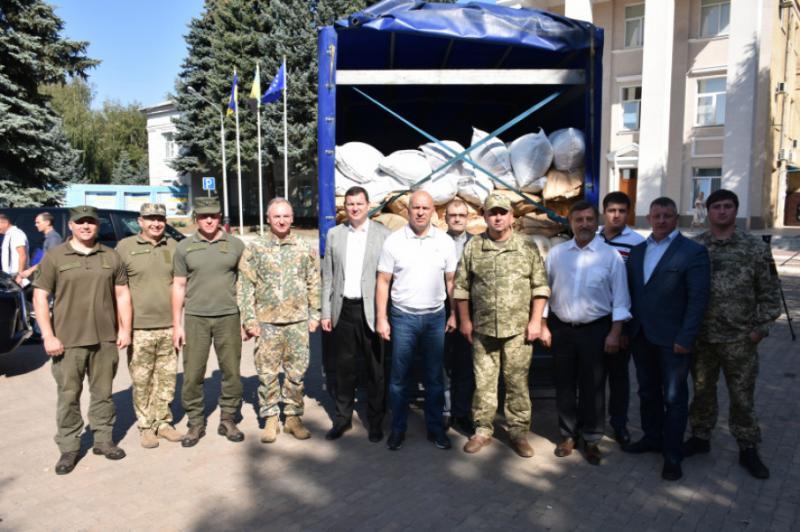 Латвія передала гуманітарну допомогу жителям Донбасу
