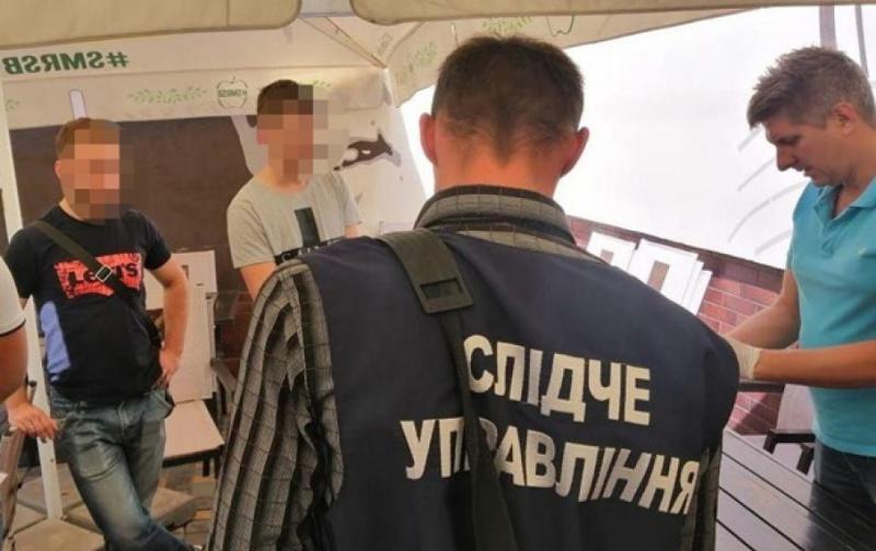 У Миколаївській області депутата затримали на хабарі у 15 тисяч доларів