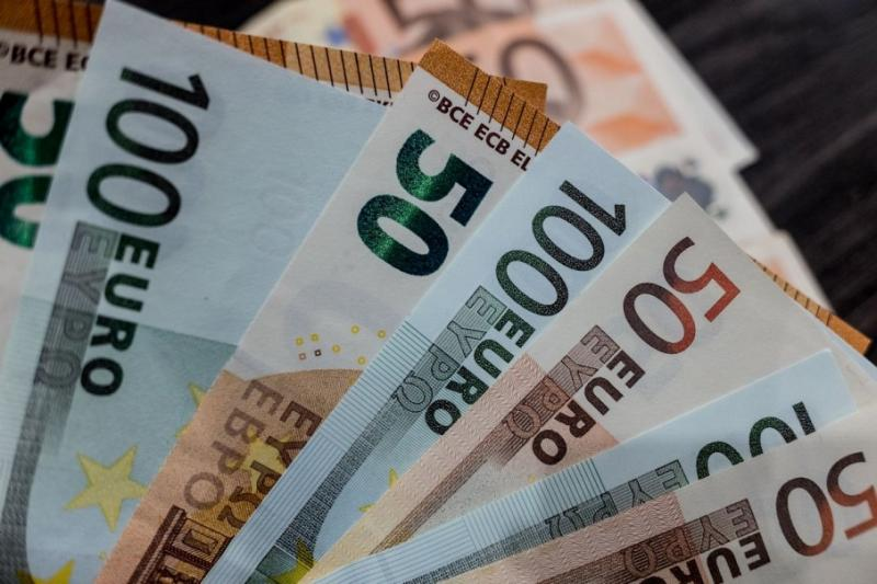 НБУ 9 вересня встановив офіційний курс гривні на рівні 25,08 грн/дол