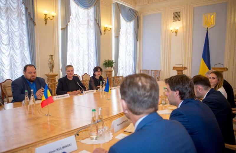 «Головні пріоритети сьогодні - налагодження ефективної співпраці між країнами, швидке прийняття якісних рішень і моніторинг за їх виконанням», - Руслан Стефанчук під час зустрічі з Ніколає Попеску
