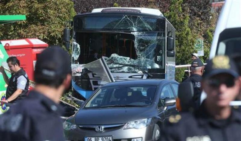 В Анкарі автобус врізався в зупинку, троє осіб загинуло