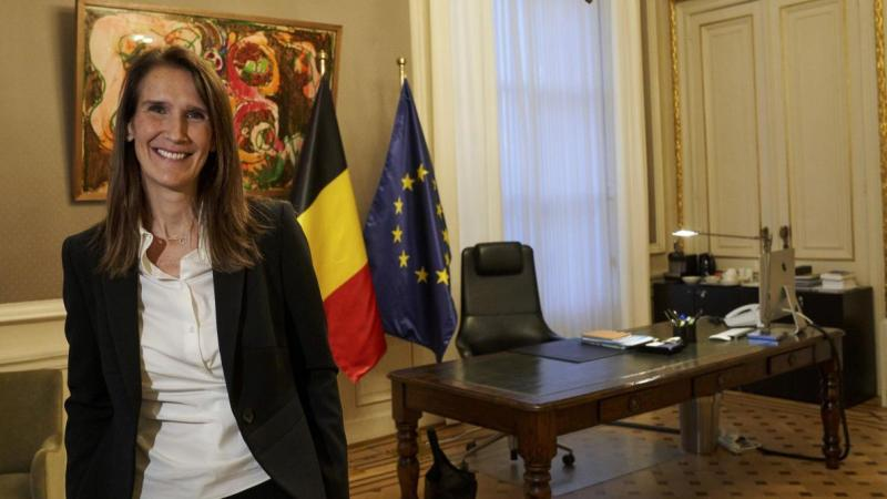 Король Бельгії призначив нову прем'єрку, яка очолила тимчасовий уряд