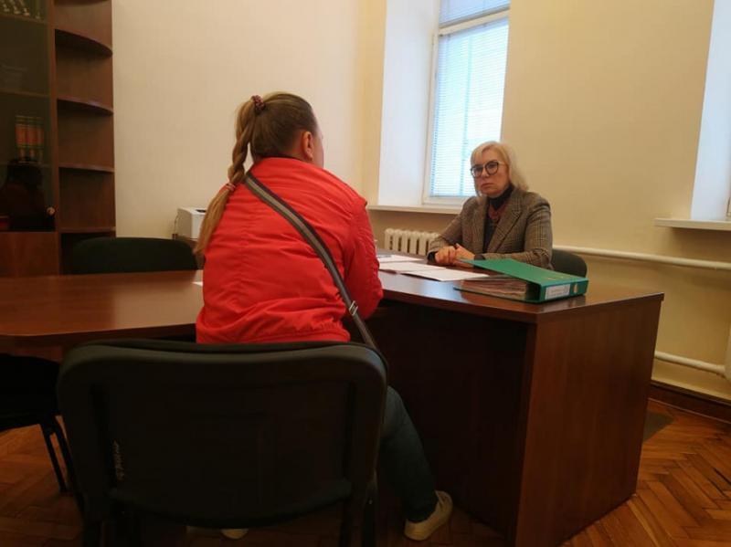 Денісова зустрілася із дружиною засудженого в Білорусі журналіста Шаройка