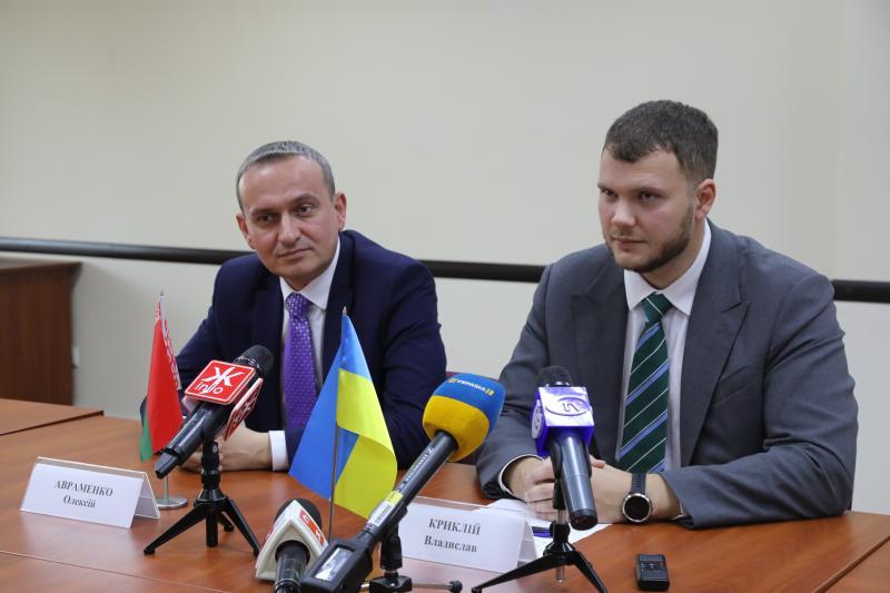 Основним завданням подальшої співпраці між Україною та Республікою Білорусь є реалізація проекту Е-40, - Владислав Криклій
