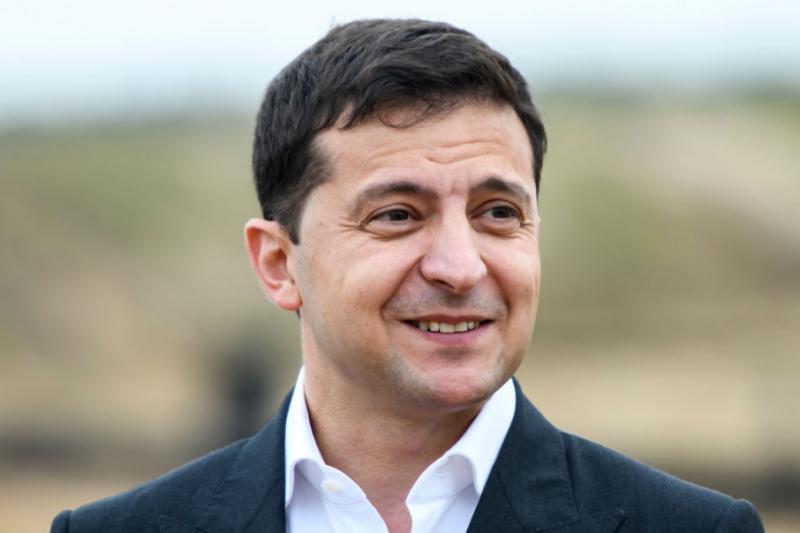 «Капітуляції не буде»: Зеленський заявив, що новий закон про статус Донбасу враховуватиме громадську думку
