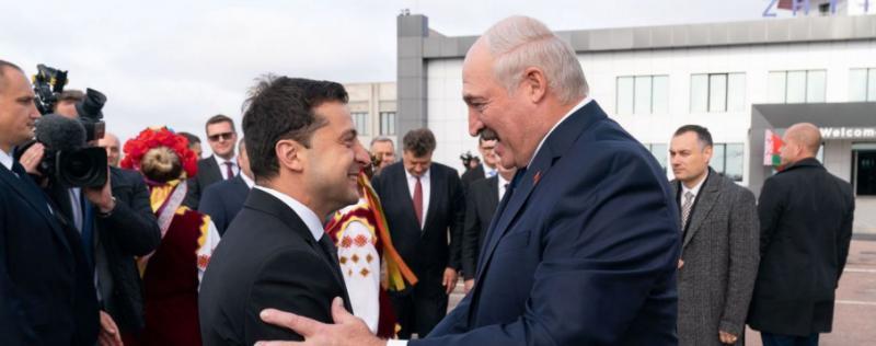 Падіння літака під Львовом, зустріч Зеленського з Лукашенком і мітинг на захист свободи слова: Головне за 4 жовтня