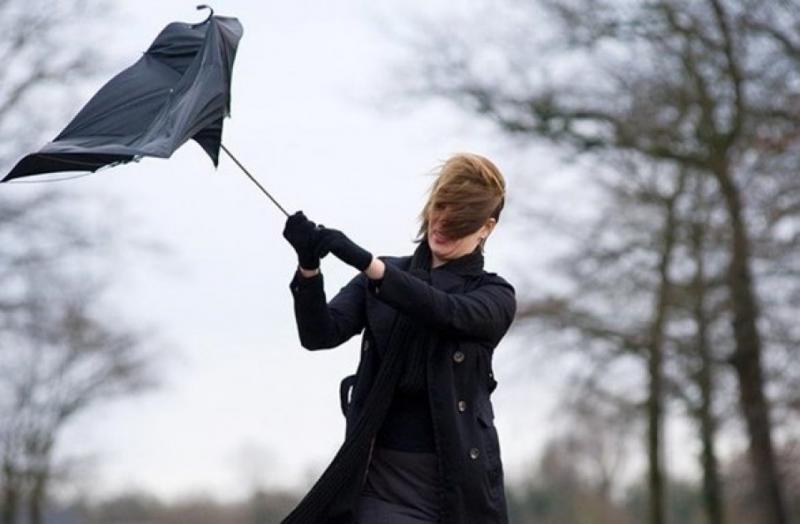У кількох областях України оголошено штормове попередження