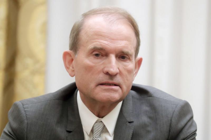 Медведчук вважає, що Зеленський, який обіцяв народовладдя, не може ігнорувати 73% українців, які проти відкриття ринку землі
