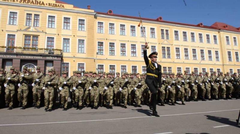 Зеленський затвердив Положення про проходження служби курсантами військових вишів