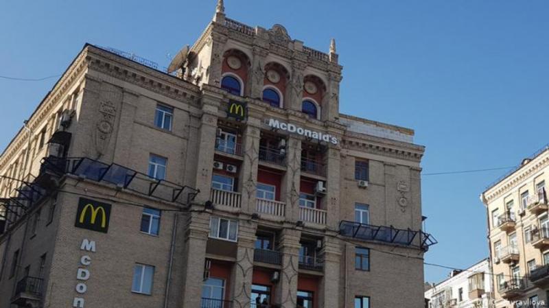 Царські балкони та додаткові поверхи: Як влада бореться з незаконними самобудовами у Києві