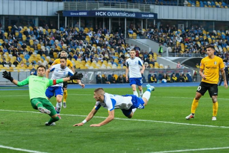 У футбольній Прем'єр-лізі сьогодні було зіграно три заключні поєдинки 11-го туру