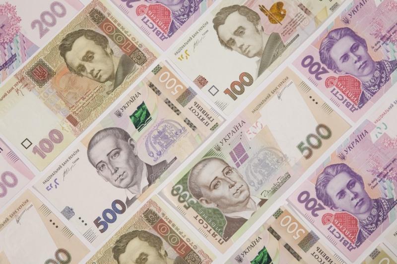 Курси валют у банках: долар - 24,45 гривень, євро - 26,80 гривень