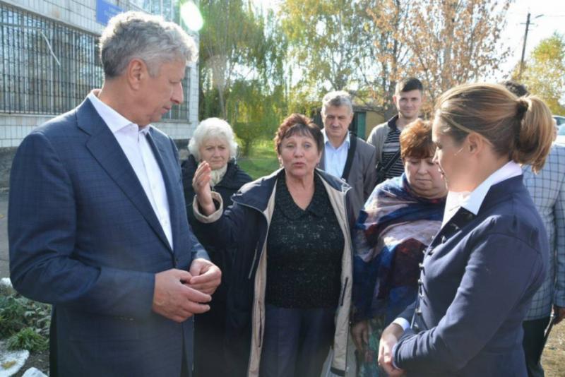 Юрій Бойко: У Донбасі не вирішене жодне питання жителів прифронтової зони