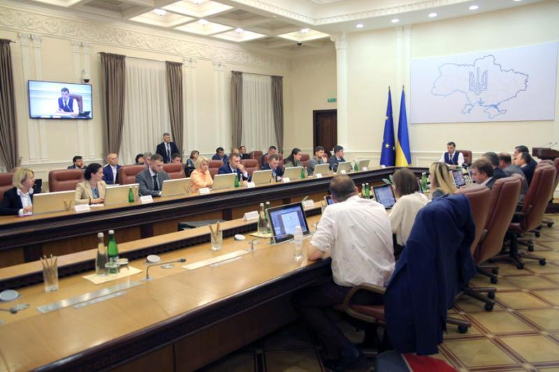 Кабмін провів низку кадрових змін: призначено 9 заступників міністрів та в.о. держсекретаря