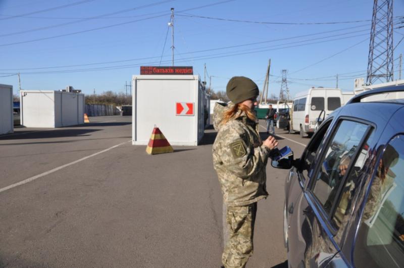 ООН відправила на Донбас вантажівки з гуманітарною допомогою