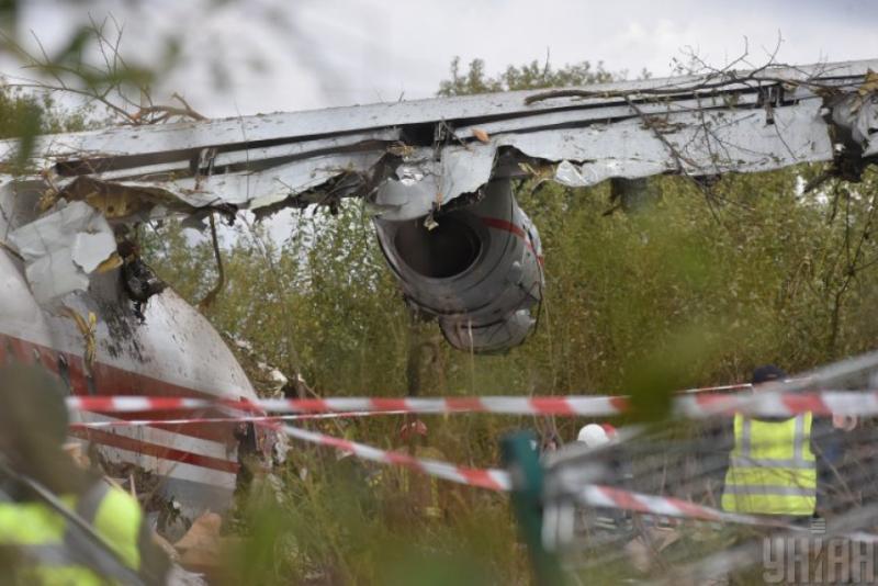 Троє потерпілих в авіакатастрофі Ан-12 під Львовом - у стабільному стані