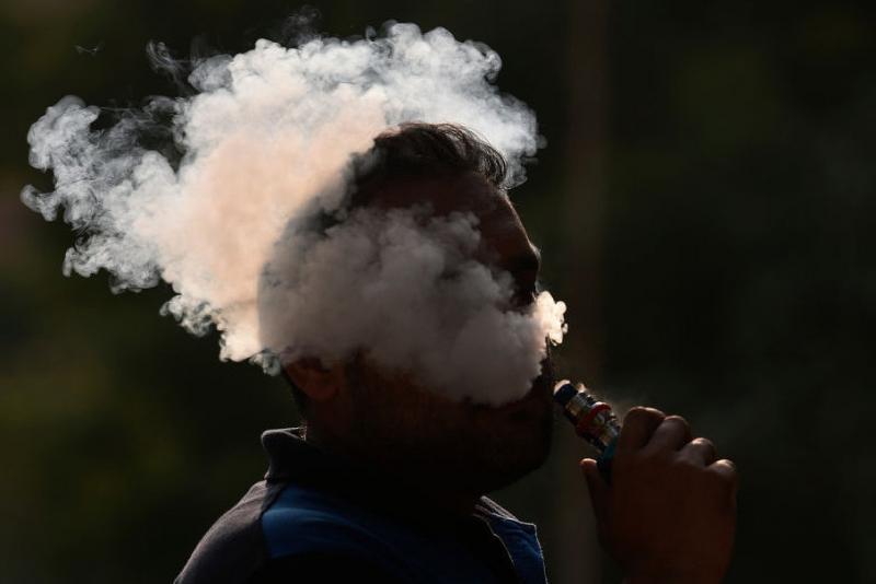 У США кількість смертей від куріння вейпів збільшилася до 16