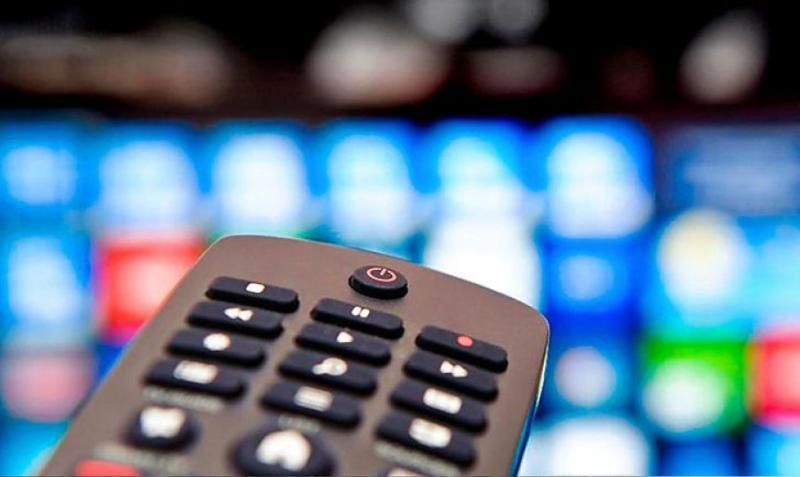 Зеленський хоче відновити мовлення українських каналів на Донбасі