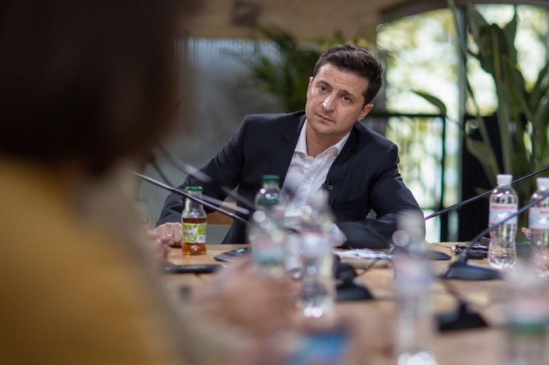 Зеленський розповів про «змагання» за президента між Пінчуком і Коломойським